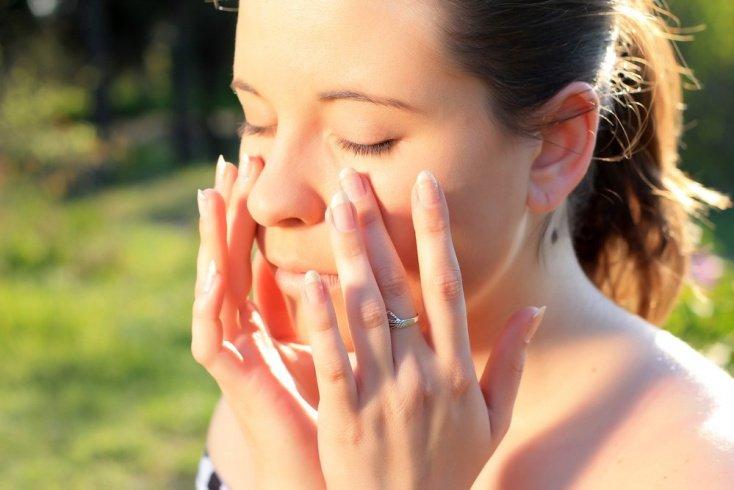 чувствительная кожа лица к солнцу