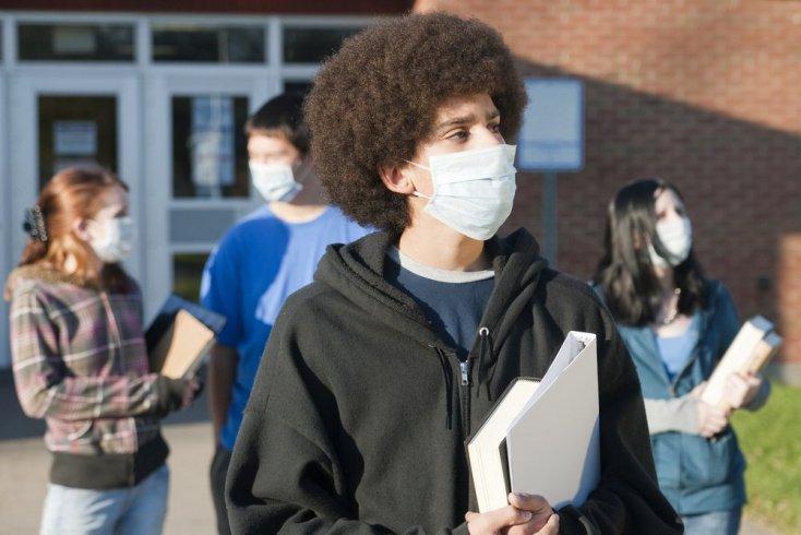 Нужно ли носить маску при простуде thumbnail