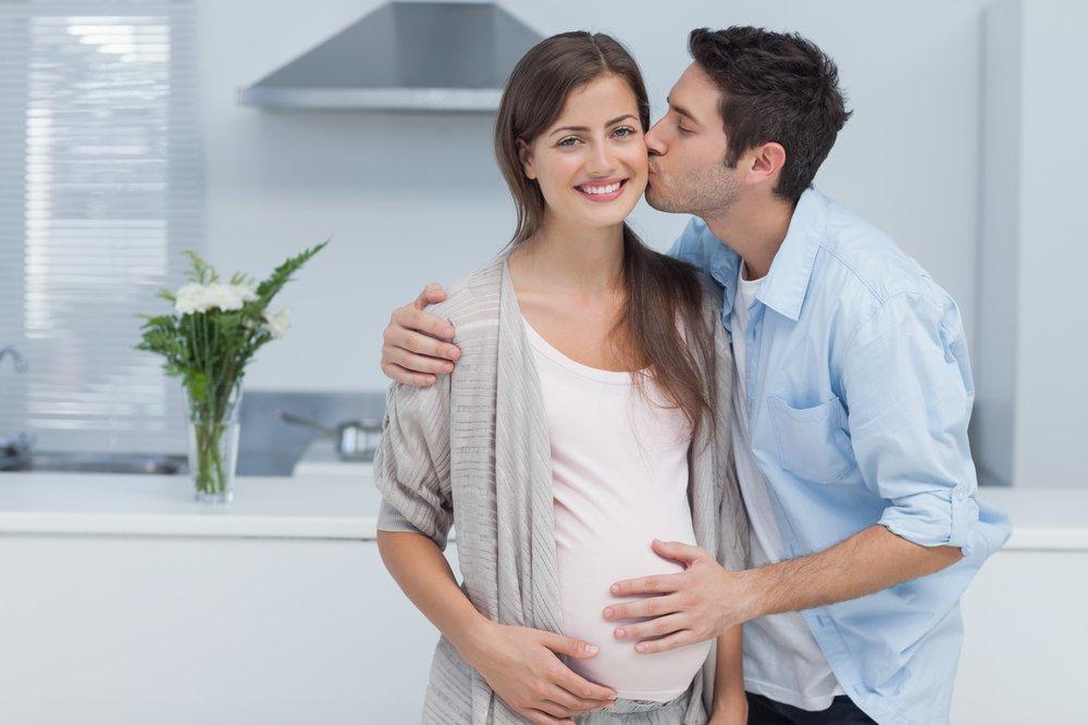 Мужчина и беременная женщина картинки