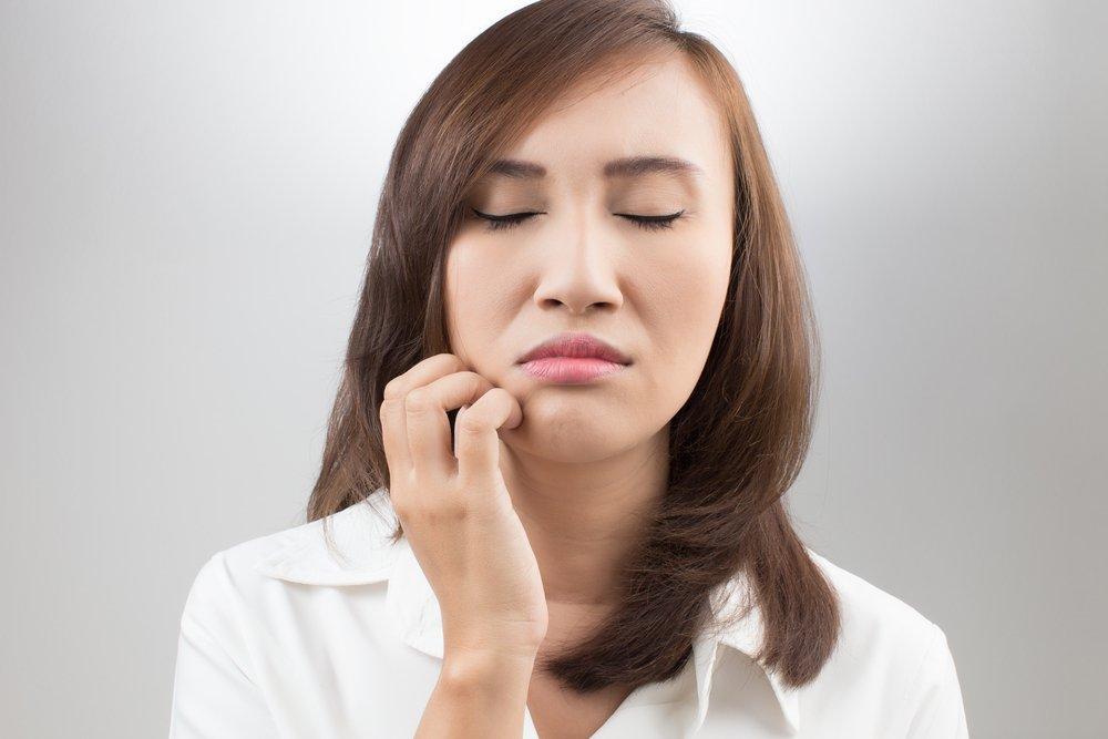 С чем связано онемение лица или его части. Немеет лицо — причины и лечение недуга