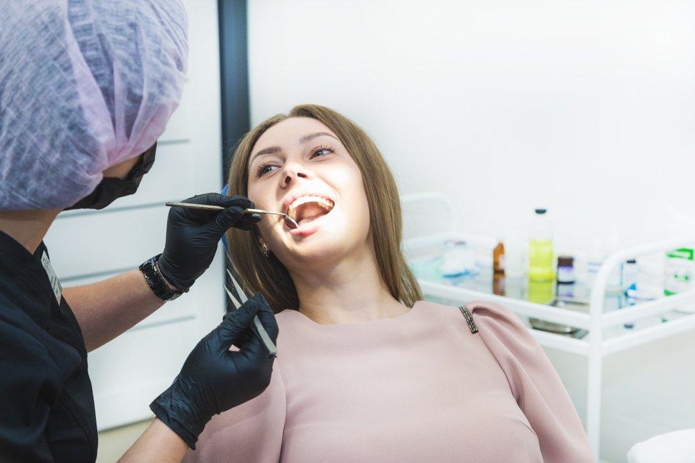 Внутренняя гематома на щеке