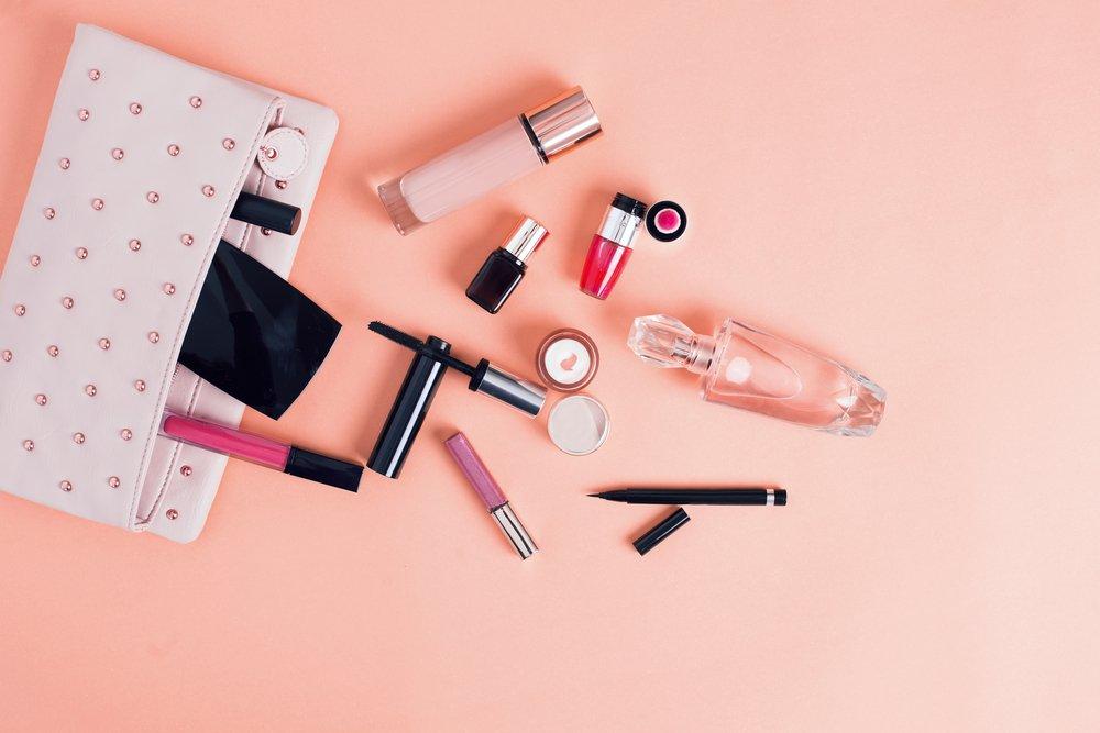 красивая косметичка картинки фиолетовыми или насыщенно-розовыми