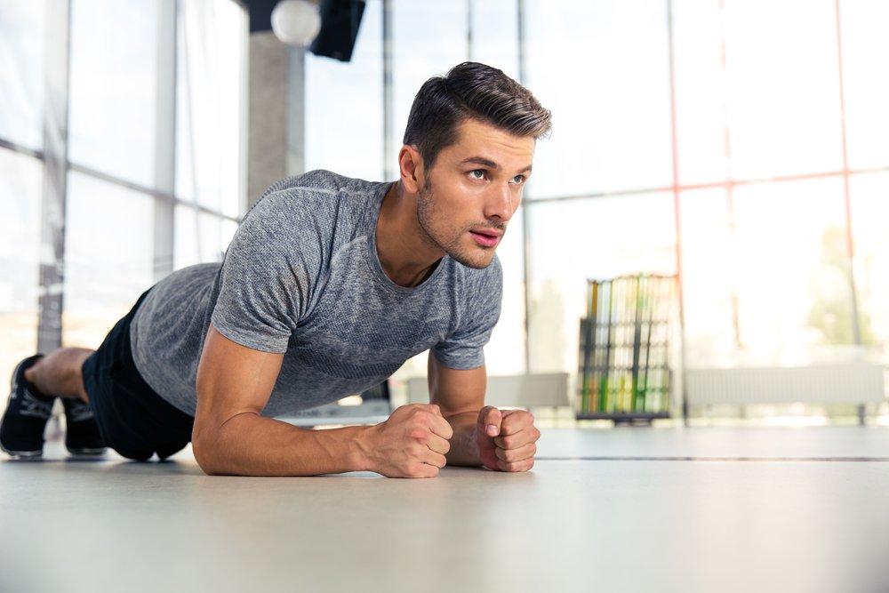 Упражнение планка для мужчин делаем правильно