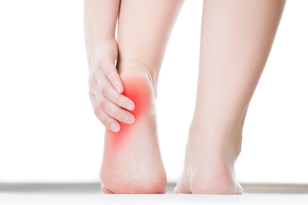 Лечение кожи пяток: избавление от трещин