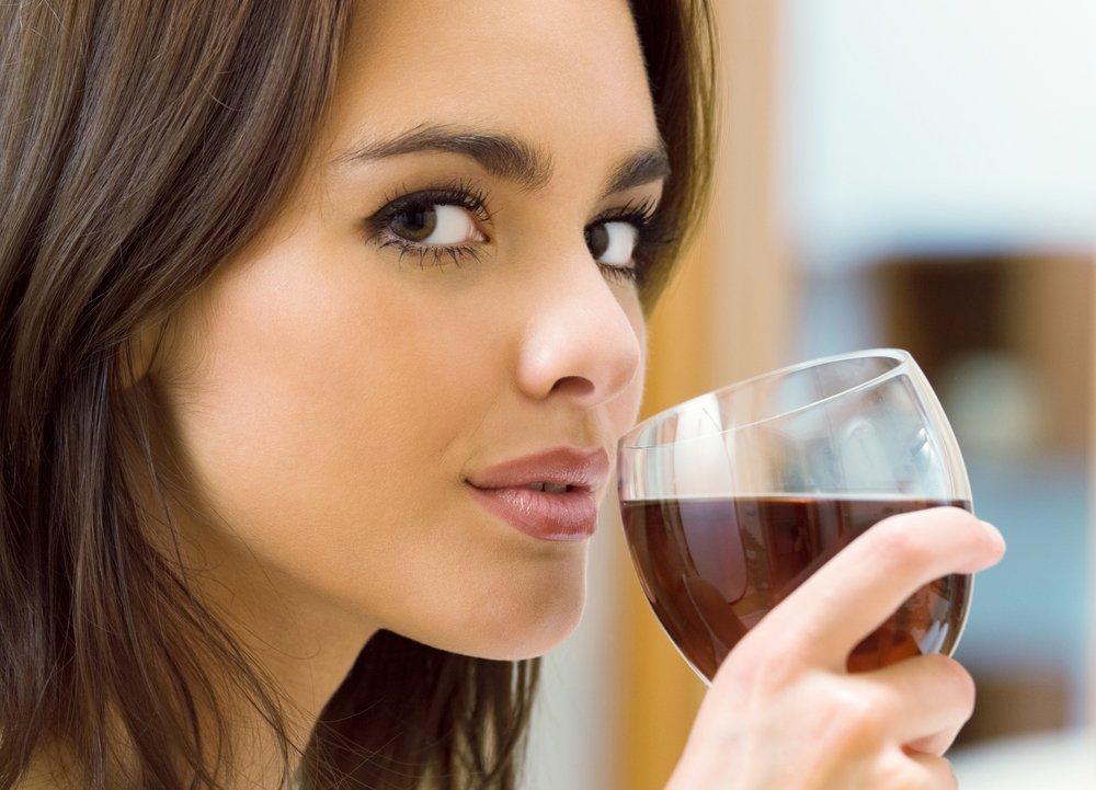 Можно ли выпить бокальчик вина?