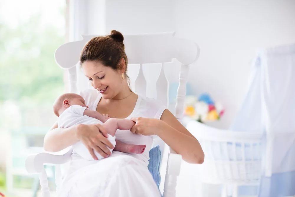 Зачем кормящая мать должна учиться кормить грудью?