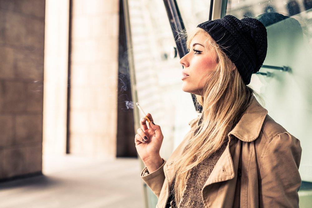 Почему женщины курят?