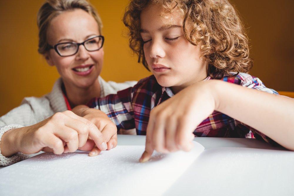 Трудности воспитания детей без зрения и слуха