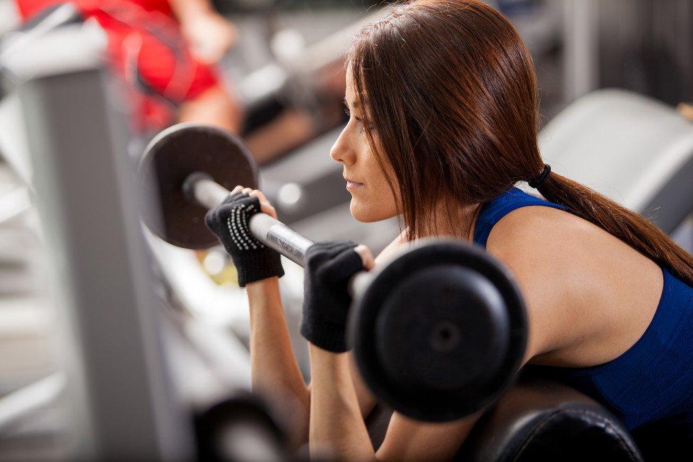 Женский фитнес требует большего числа повторов упражнений