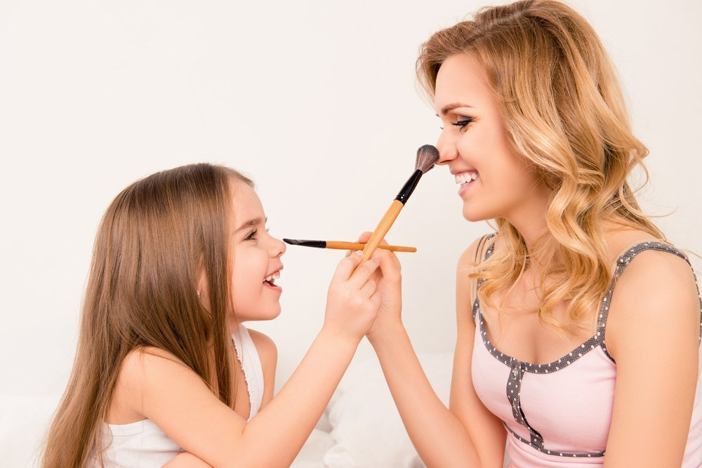 Можно ли пользоваться взрослой косметикой?