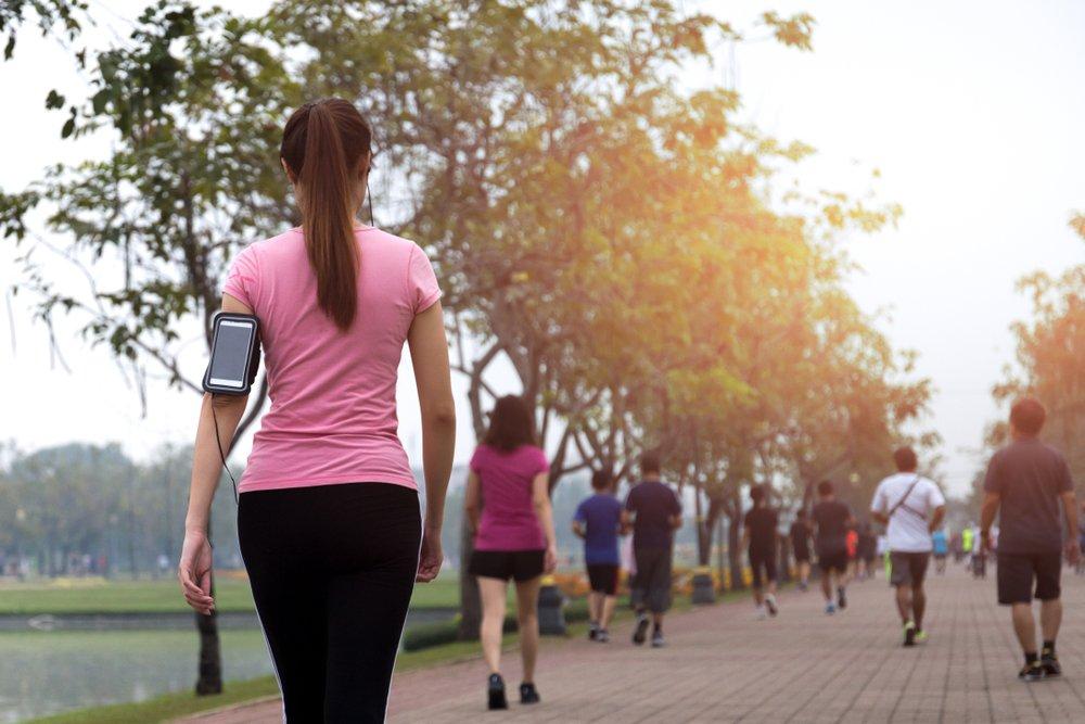 Что такое быстрая ходьба и как правильно ходить: красота — это активность