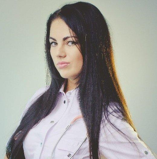 Пушкова Карина Константиновна, врач-дерматокосметолог, клиника «Красивая жизнь»