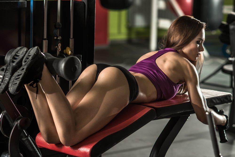 Техника и варианты выполнения эффективных упражнений для ягодичной мускулатуры