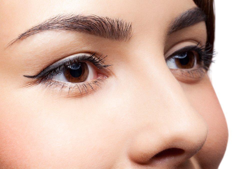 Коричневые глаза: тонкости макияжа при разных оттенках