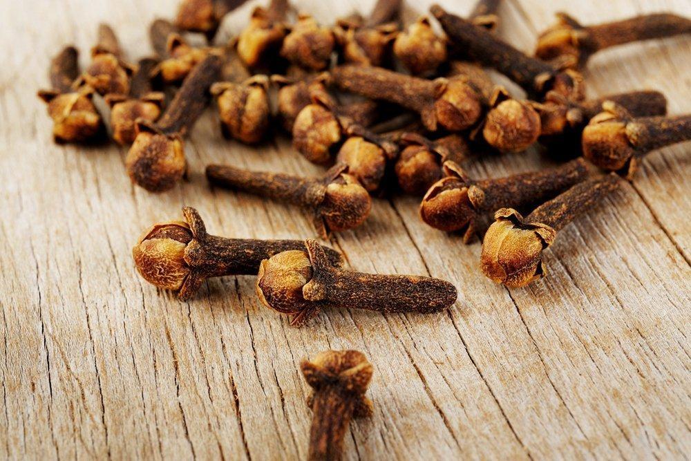 Гвоздика — ароматизирует и сохраняет продукты свежими