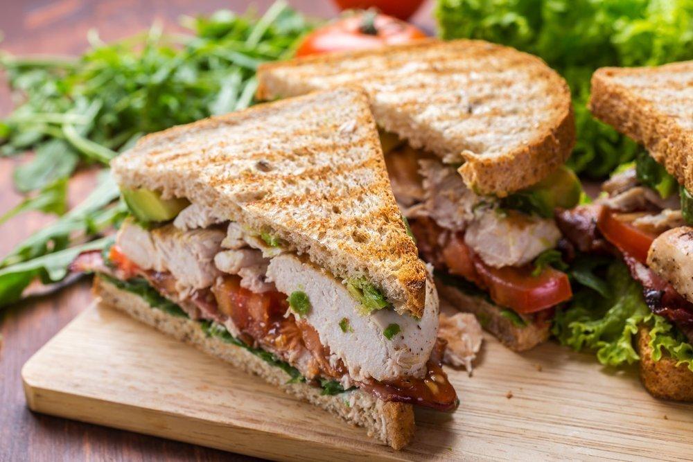 Простой рецепт сэндвича с курицей и паприкой