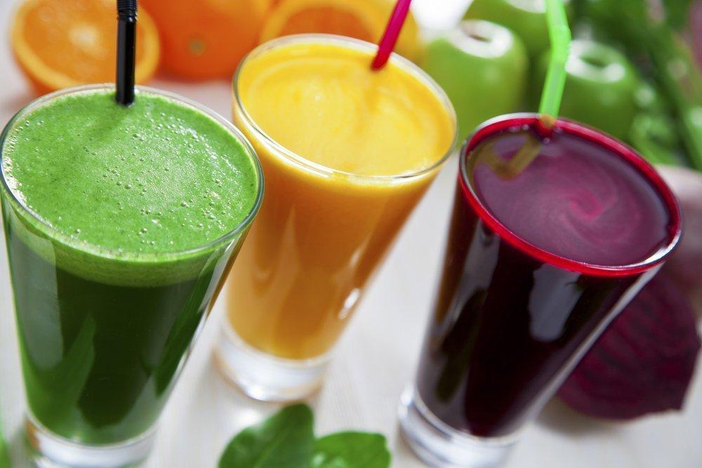 Плюсы и минусы употребления свежевыжатых соков для похудения и здоровья