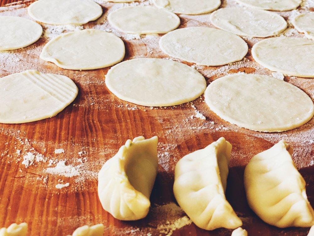 Классический рецепт вареников с картошкой и луком