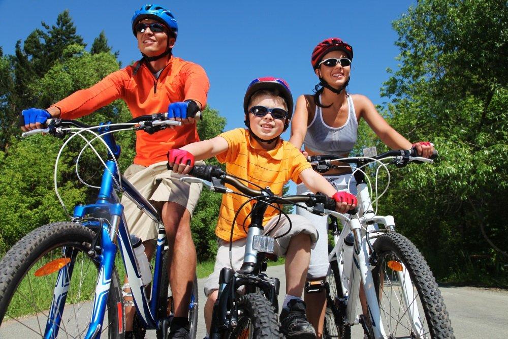 Семейный отдых на велосипедах — полезная привычка