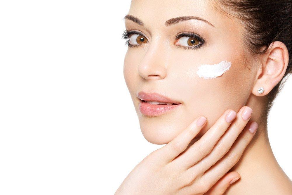 Уход за кожей зимой: профилактика обветривания