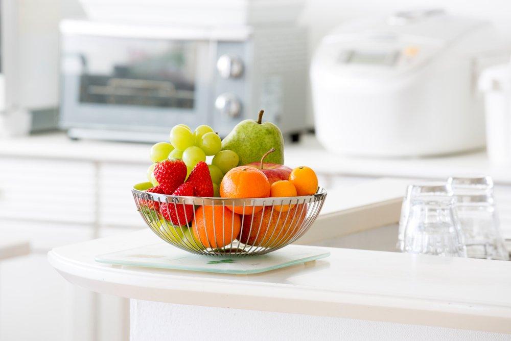 Купите красивую вазу для фруктов