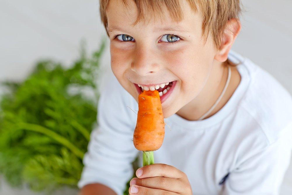 Естественные источники витаминов для развития ребенка в питании