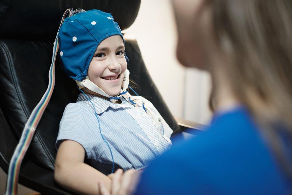 Как обследуют ребенка с фебрильными судорогами?