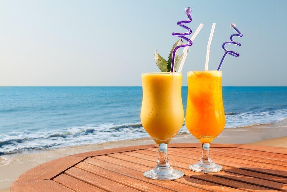 Экзотическое удовольствие: ананасово-манговый коктейль