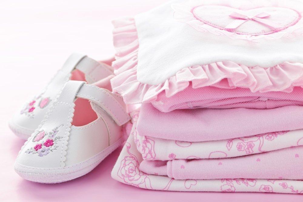 Различные нарядные вещи для ребенка