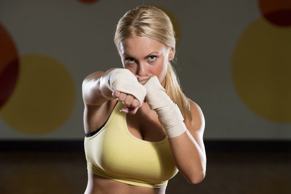 Особенности фитнес-тренировки по кикбоксингу