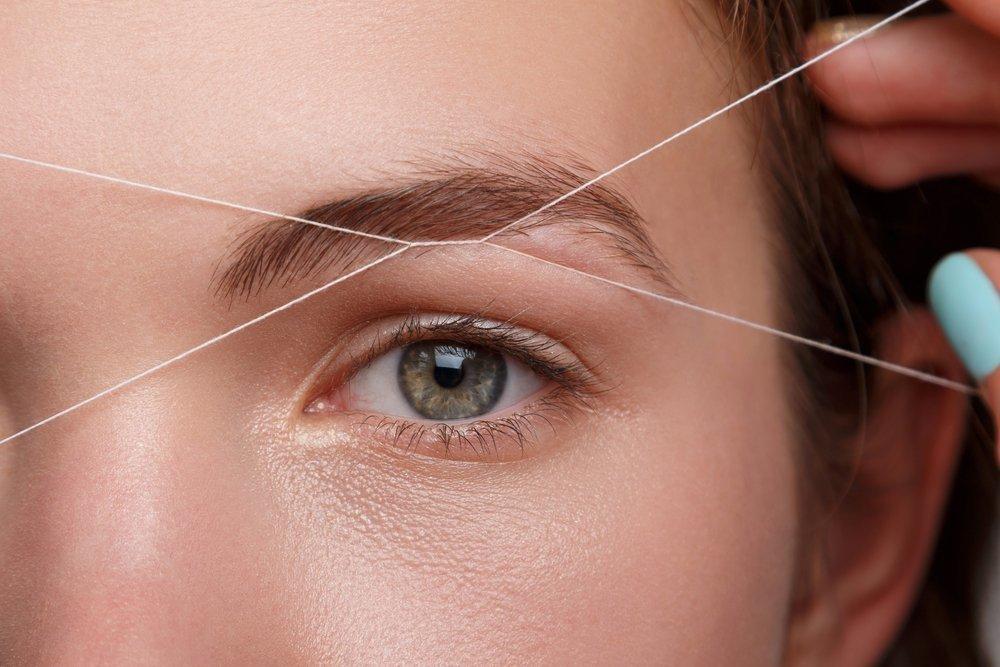 Секреты красоты идеальных бровей: выщипывание ниткой
