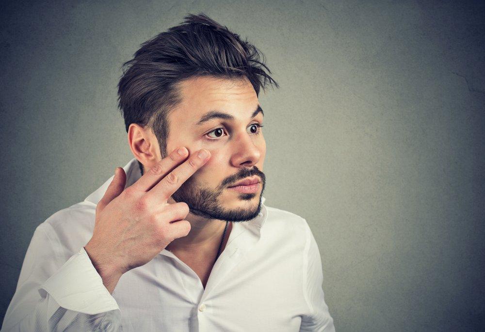 Из-за отека лица к врачу: когда это необходимо?