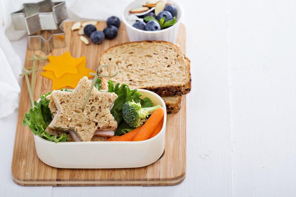 Нужен ли перекус в перерывах между основными приемами пищи?