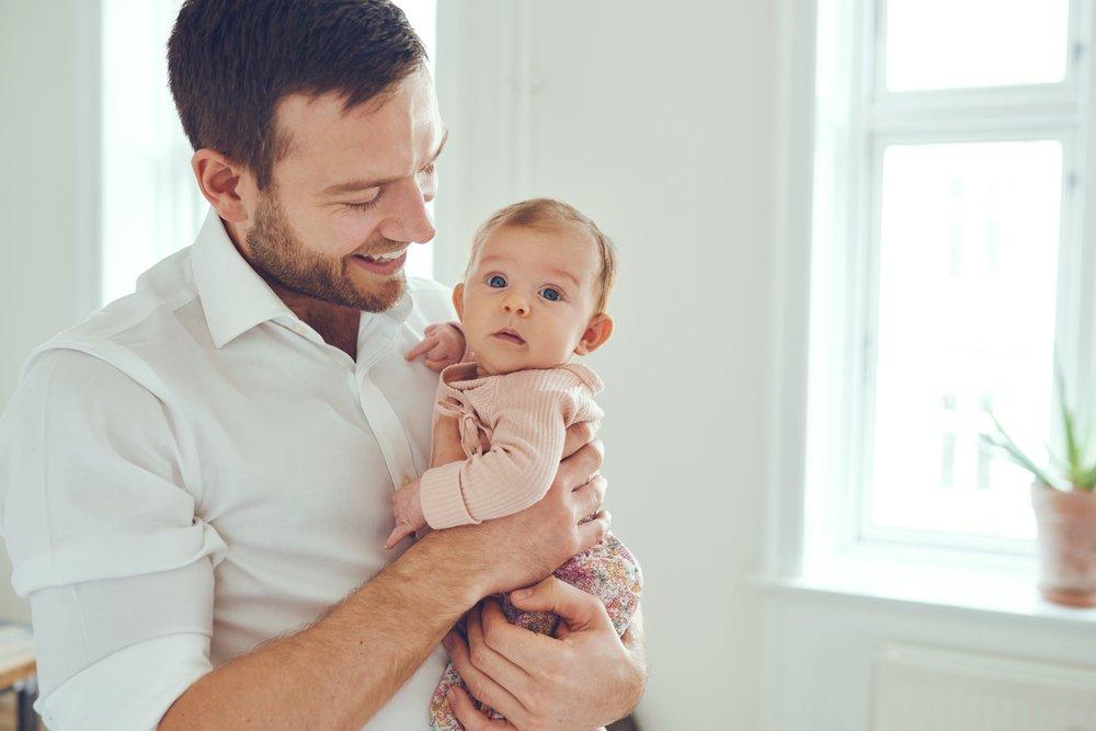 Мужчина стал отцом: родительский инстинкт