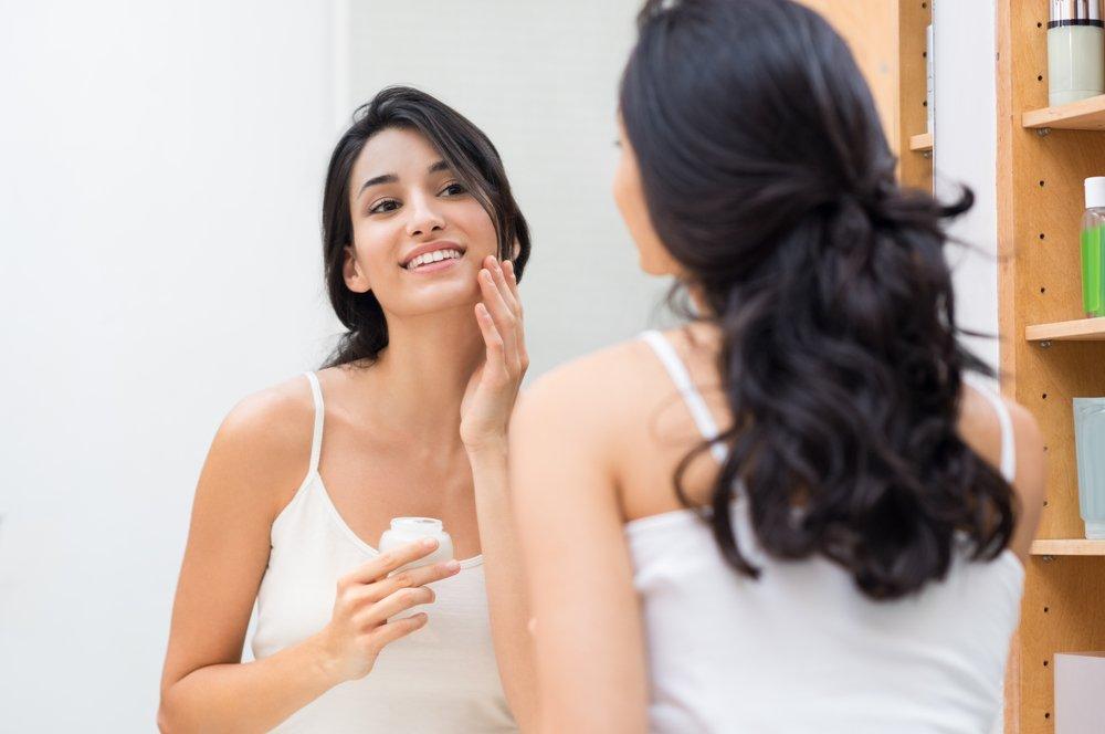 Шаг 9: Нанесение ночного крема для лица
