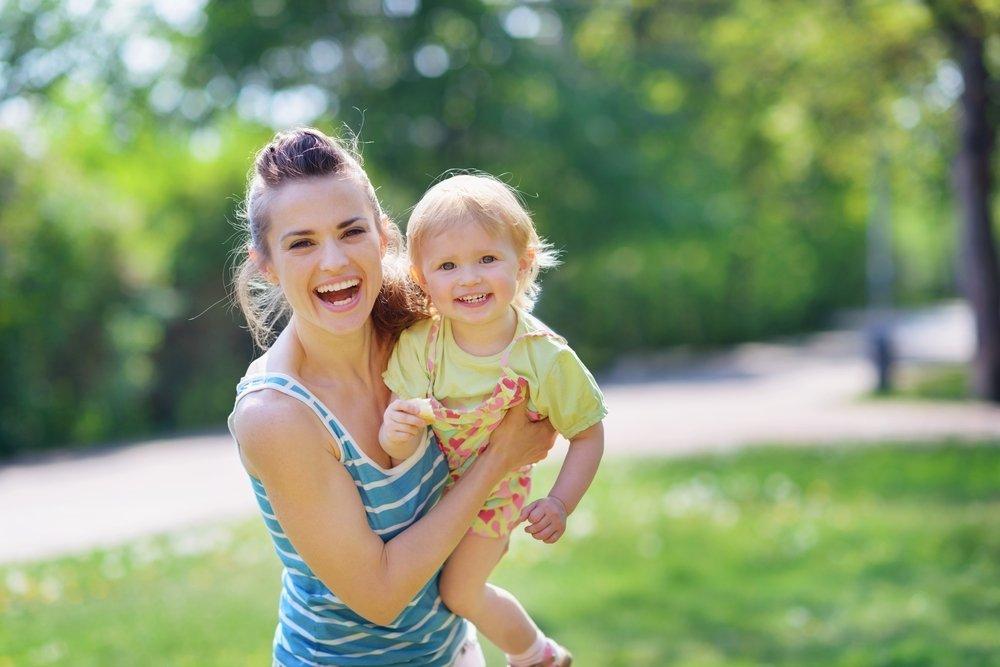 Зрительный контакт между взрослым и ребенком