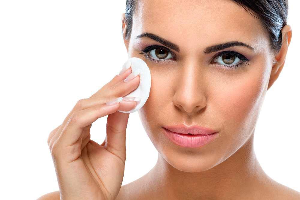 Мицеллярная жидкость для очищения кожи