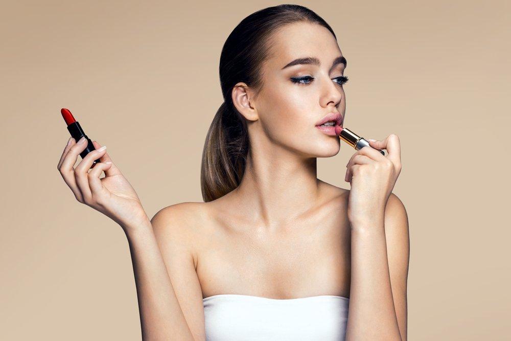 Внимание на губы: какая косметика пригодится?