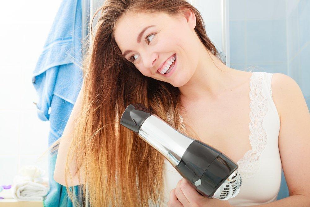 Сушка волос: полотенце и фен
