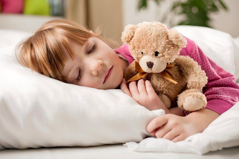 Почему дети скрипят зубами во сне?