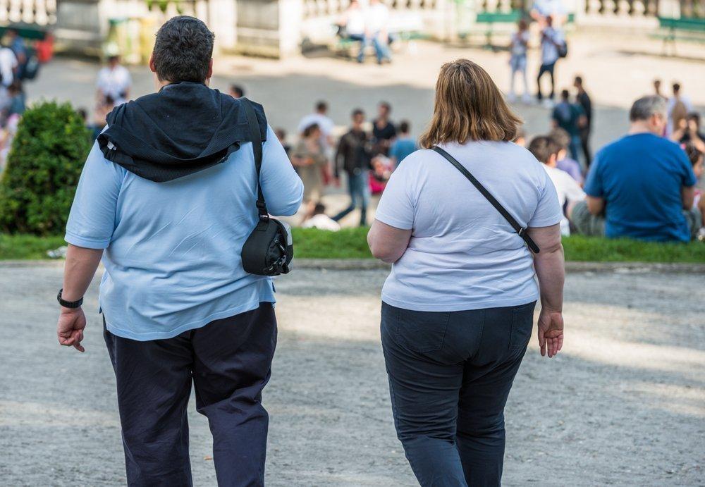 Взрослые люди и лишний вес
