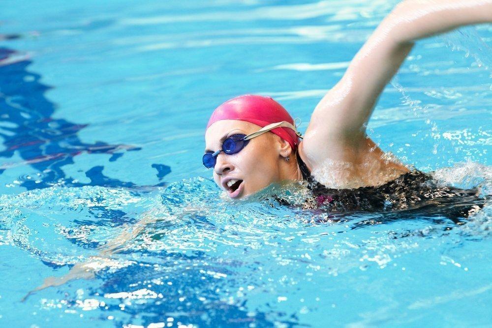 Подходит ли плавание для похудения?