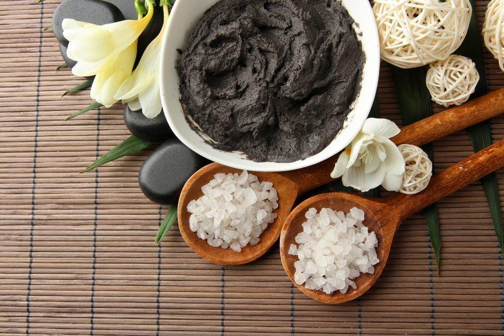 Как использовать глину в уходе и борьбе с целлюлитом?