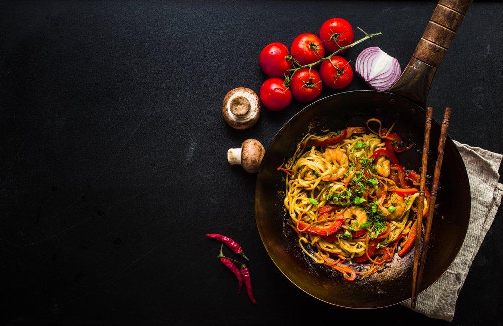 Как приготовить рисовую лапшу-вок с брокколи?