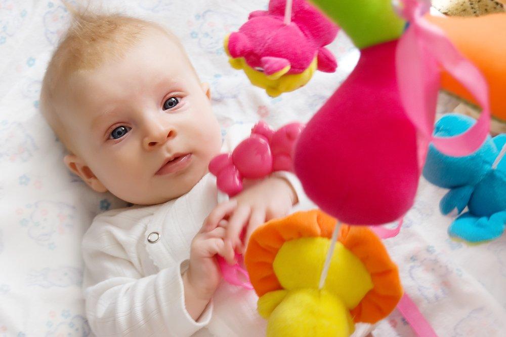 На что направить развитие ребенка в первые месяца?