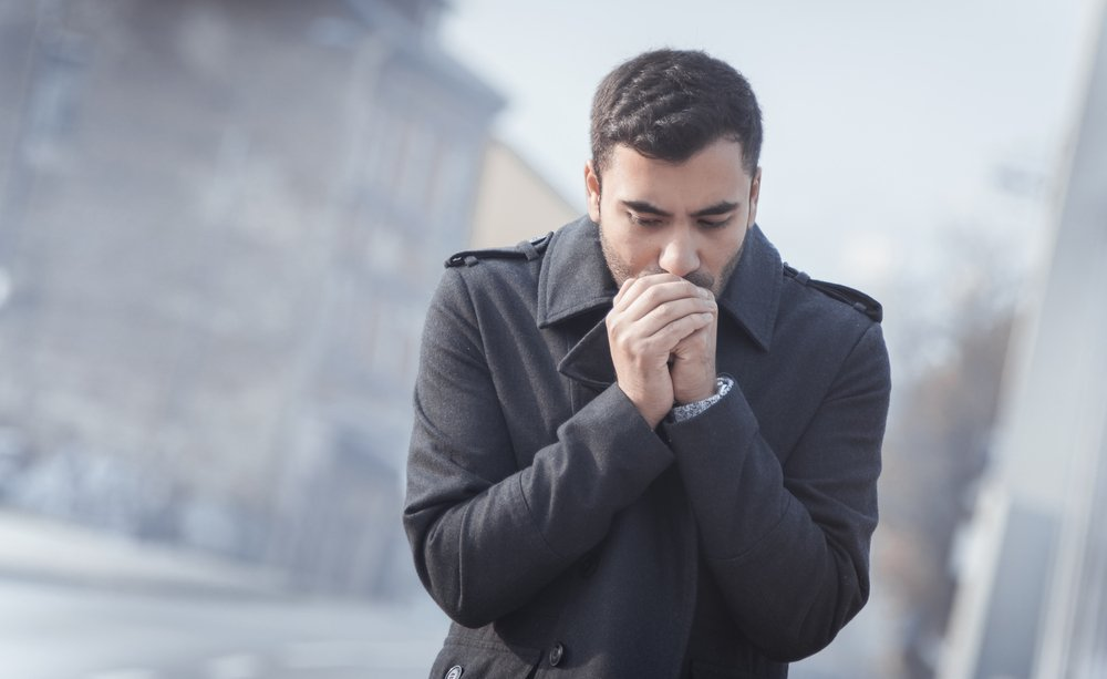 Причины насморка: вирусы, пыль, холод