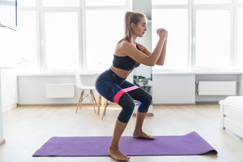 Фитнес: упражнения в домашних условиях для начинающих