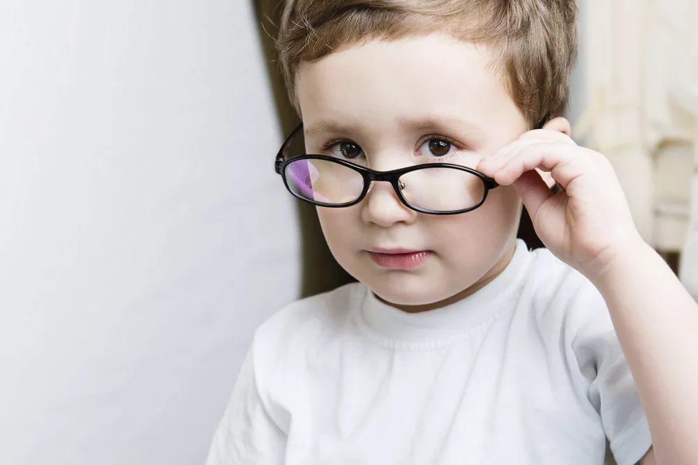 Нарушения зрения, подбор очков