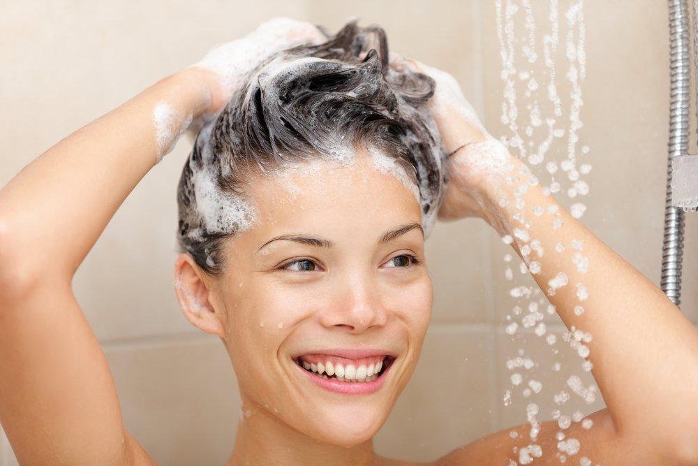 Уход за волосами: как избавиться от перхоти?