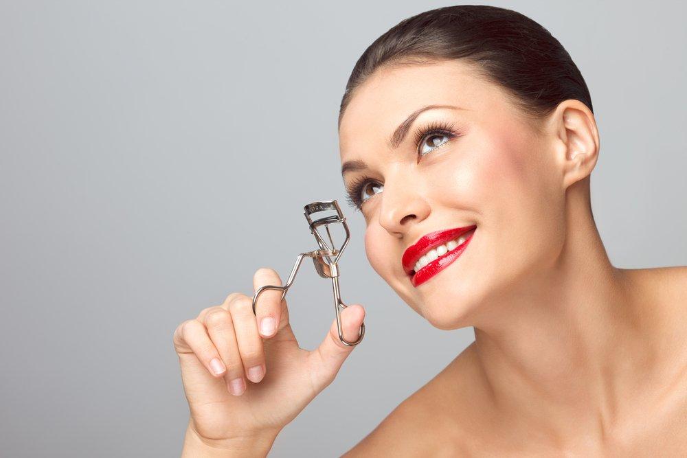 Как сделать ресницы длиннее с помощью макияжа